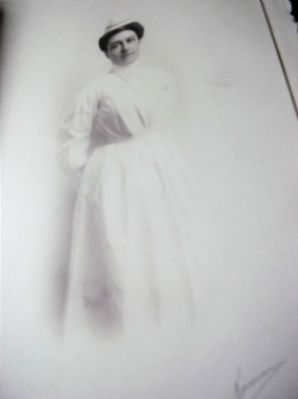 ANTIQUE KINSMAN SIGNED PHOTOGRAPH VICTORIAN US CHILDS PRIVATE NURSE IN CARD